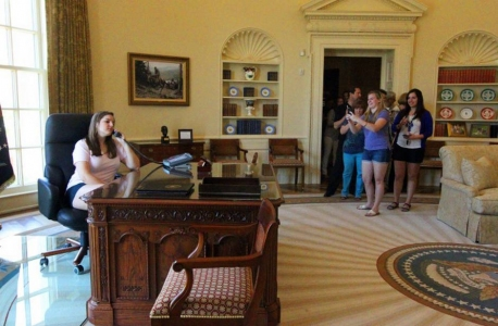george bush oval office. touring the oval office replica i was struck by roomu0027s artificiality this due think not to fact of exhibitu0027s being a simulacra george bush 9